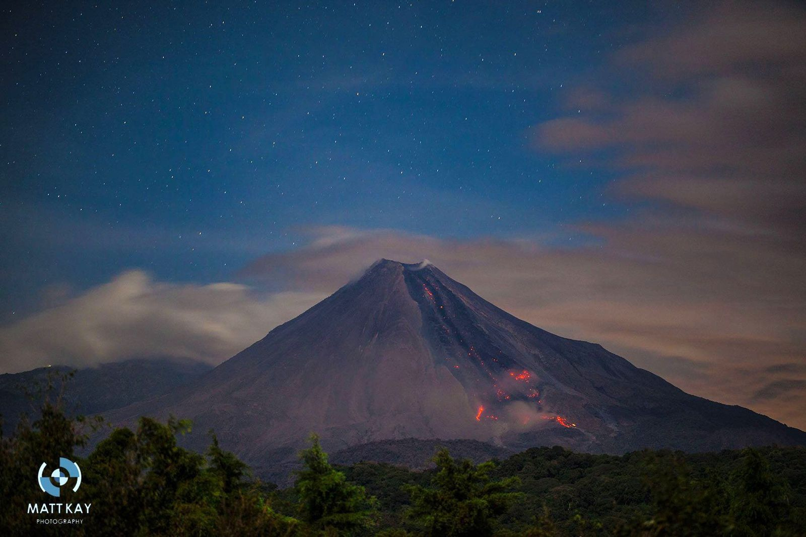 Colima 11.10.2016 - Lava continues to rise into Colima's summit lava dome & spill over the SW rim feeding the flow that reached the volcano's base - Mattkay  Tw (2)