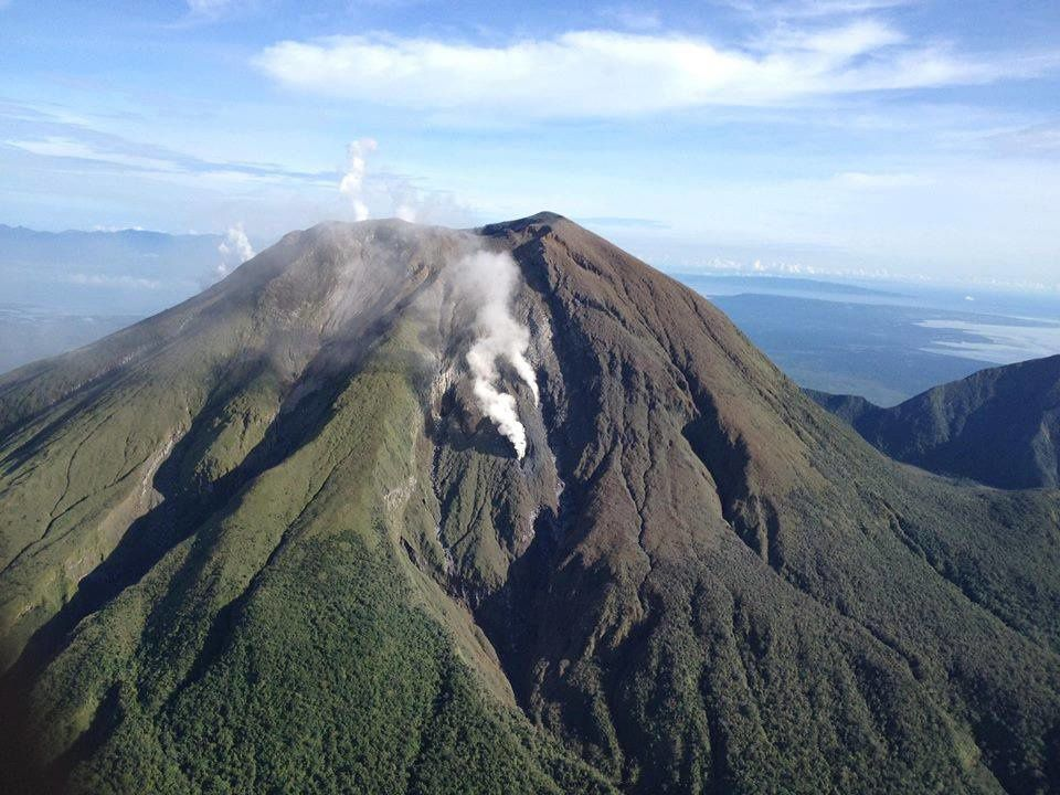 Bulusan steam vents - Photo overview Phivolcs / SPDRRMO 10/08/2016