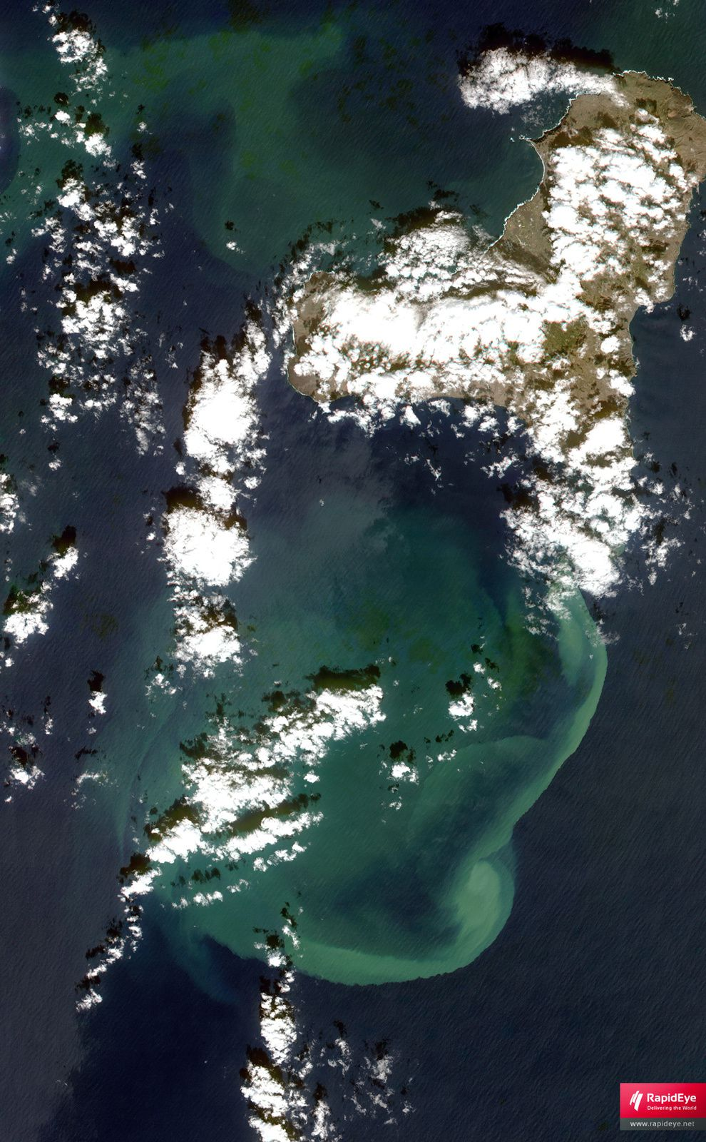 El Hierro - discoloration of the ocean caused by the submarine eruption - photo Nasa Rapid eye 31.10.2011