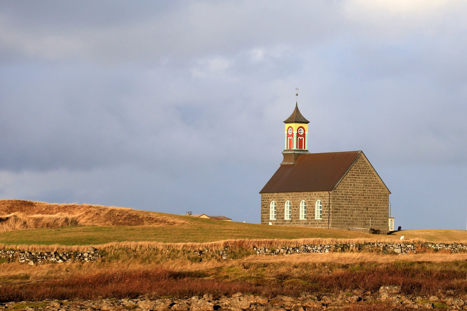The church of Sandgerði. Hvalsneskirkja, in basaltic stone - picture © Bernard Duyck 10.2016