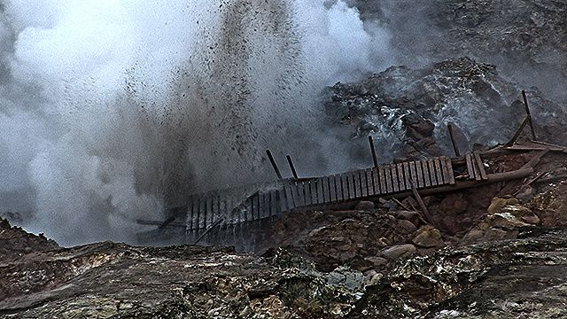 Gunnuhver - destruction d'un ponton le 15.09.2014 - photo VF-myndir Hilmar Bragi