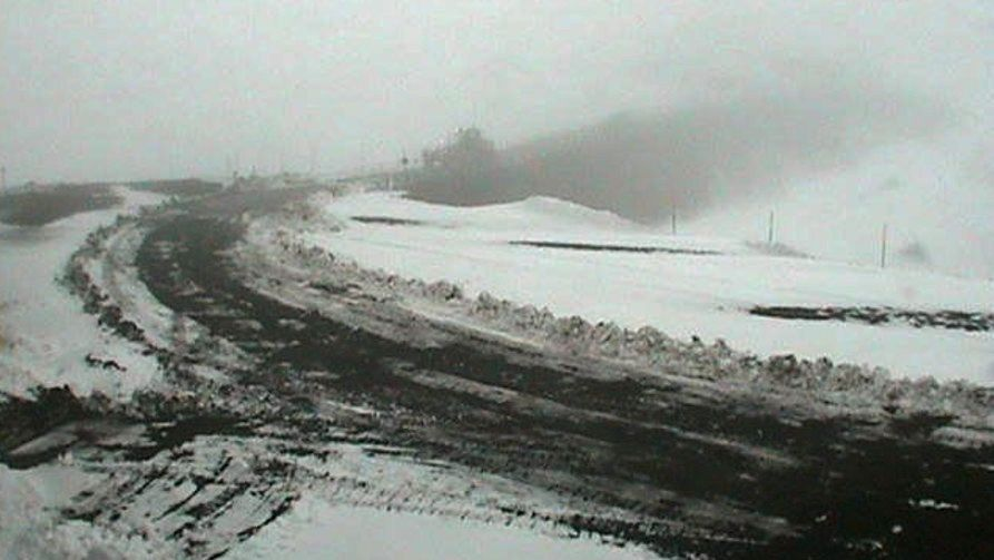 Snow on the summits of the Mauna Kea - picture 10.12.2016 courtesy Keck webcam
