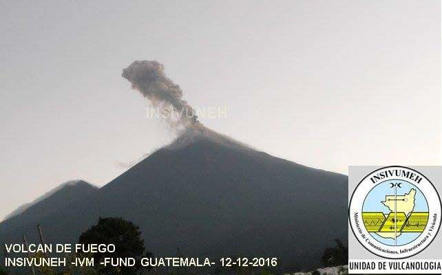 Fuego - 12.12.2016 - webcam Insivumeh
