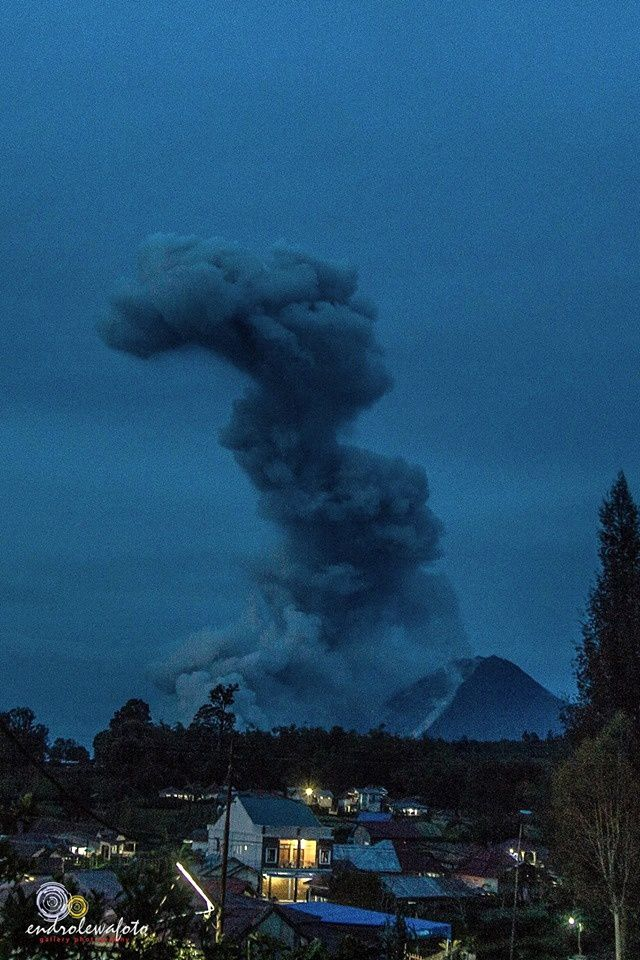 Sinabung - 28.12.2016 / 5h58 - Coulée pyroclastique  - photo endrolewa