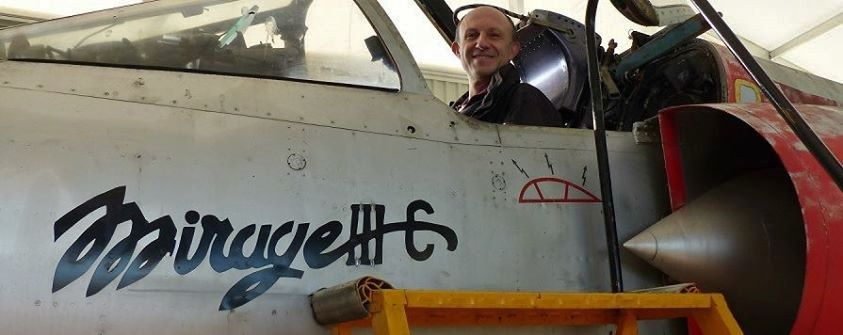Jocelyn Lardy with Mirage III renovation teams - photo of his site