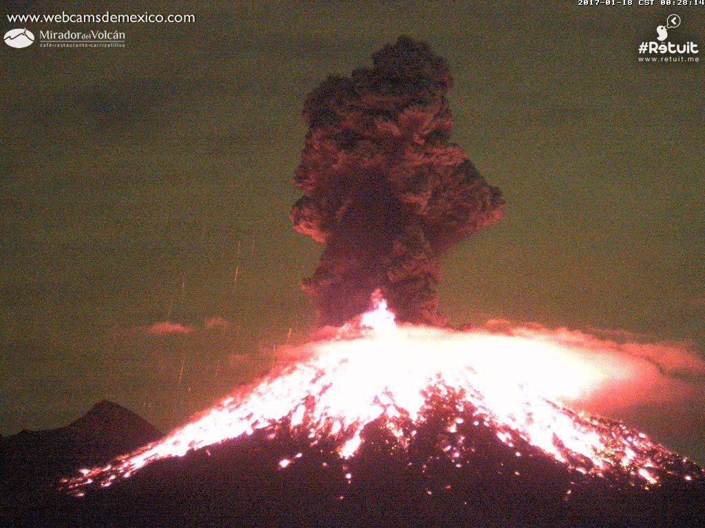 Colima - explosion du 18.01.2017 / 0h28-0h29 - webcamsdeMexico / Retuit