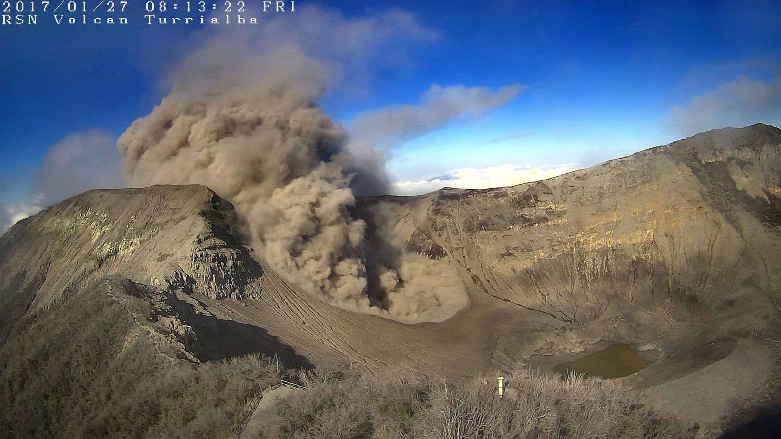 Turrialba - 27.01.2017 / 8h13 - webcam sommet RSN