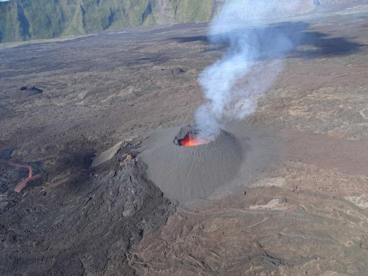 Eruption siteat Piton de La Fournaise: the cone and the beginning of the lava flow - photo 10.02.2017 / 8h50, local time.- OVPF