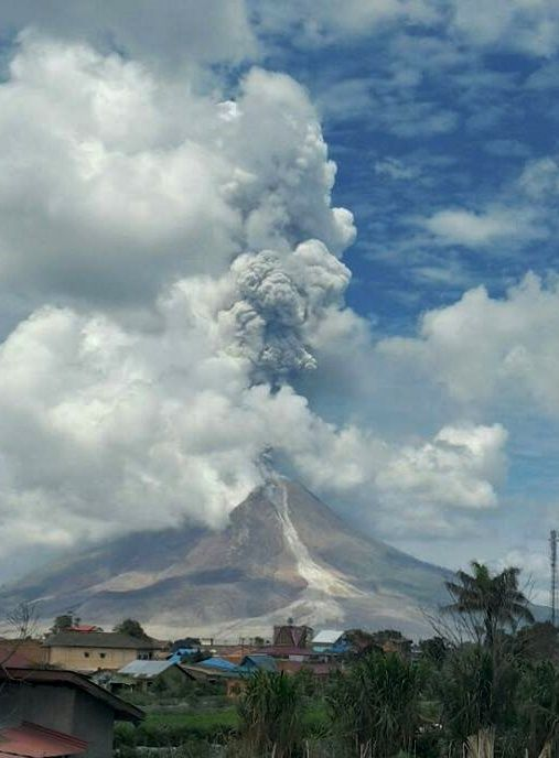 Sinabung - activity of 24.02.2017 / 11h54 WIB - photo Hasron David Ginting via Beidar Sinabung