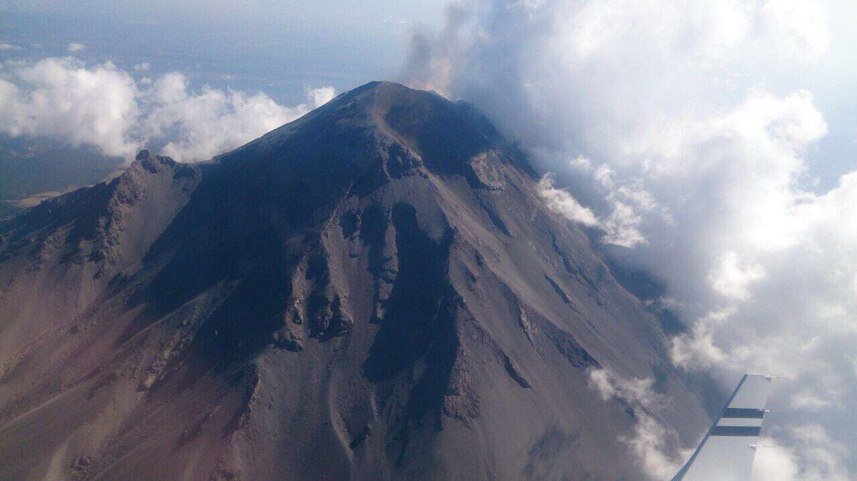 Popocatépetl - overview of 08.03.2017 by the Proteccion Civil / Police Fed Mex - click to enlarge