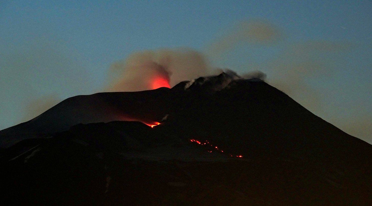 Etna in the evening of 24.03.2017 - photo Boris Behncke