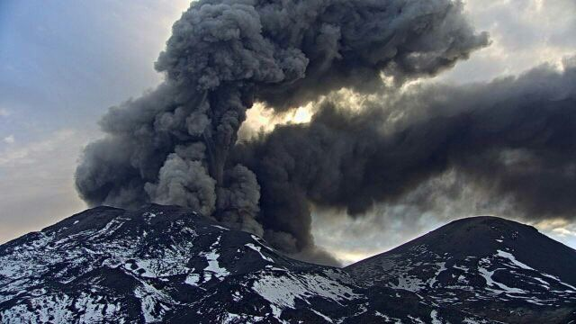 Nevados de Chillan - reminder of the explosive activity of last March 14. - photo Sernageomin