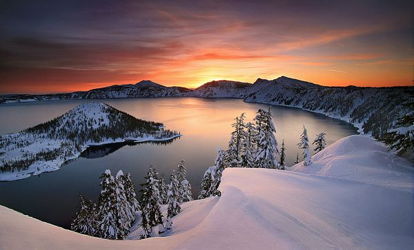 Crater lake in winter - photo planetoddity