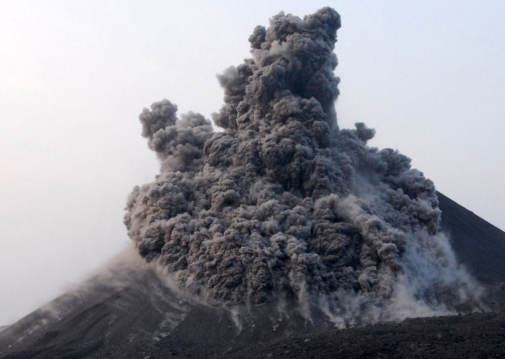Krakatau - photo © Thierry Sluys / flickr