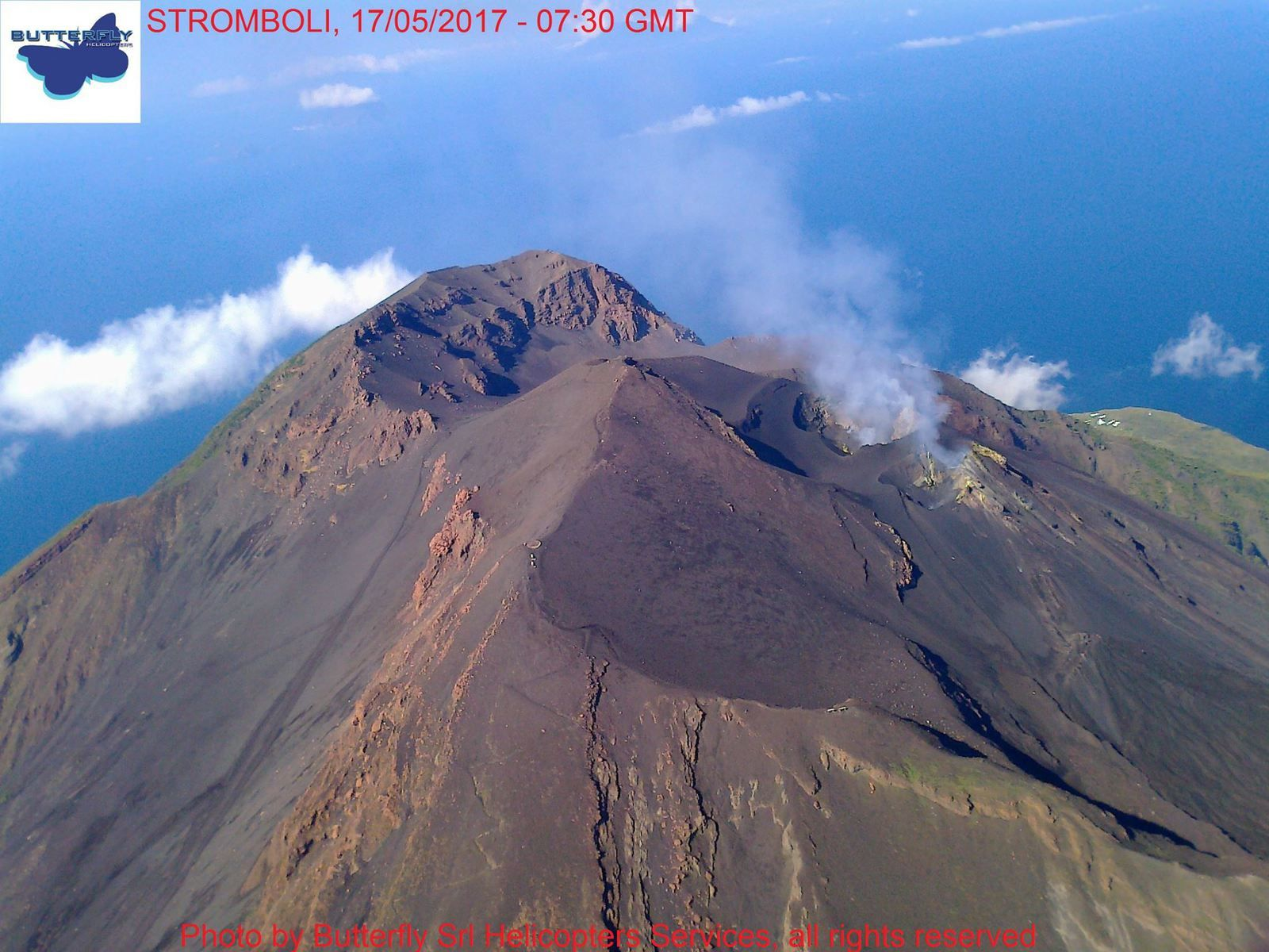 Stromboli - 17.05.2017 / 7:30 GMT - a beautiful view of the peaks by Butterfly helicopters Jos. Nasi