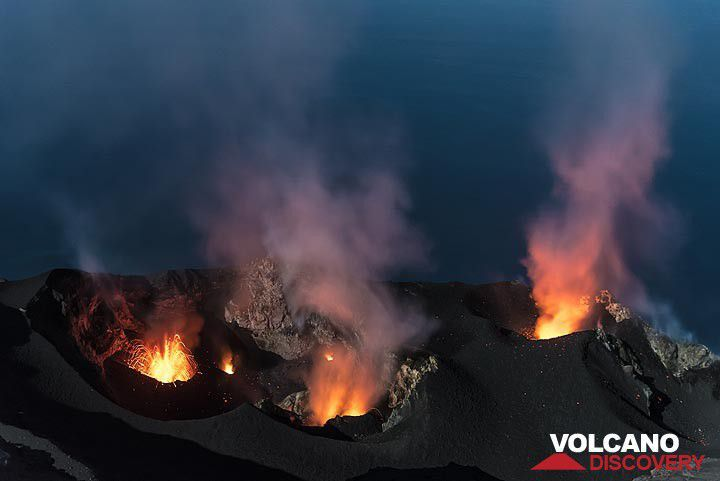 . Stromboli - picture of June activity - Tom Pfeiffer / Volcanodiscovery