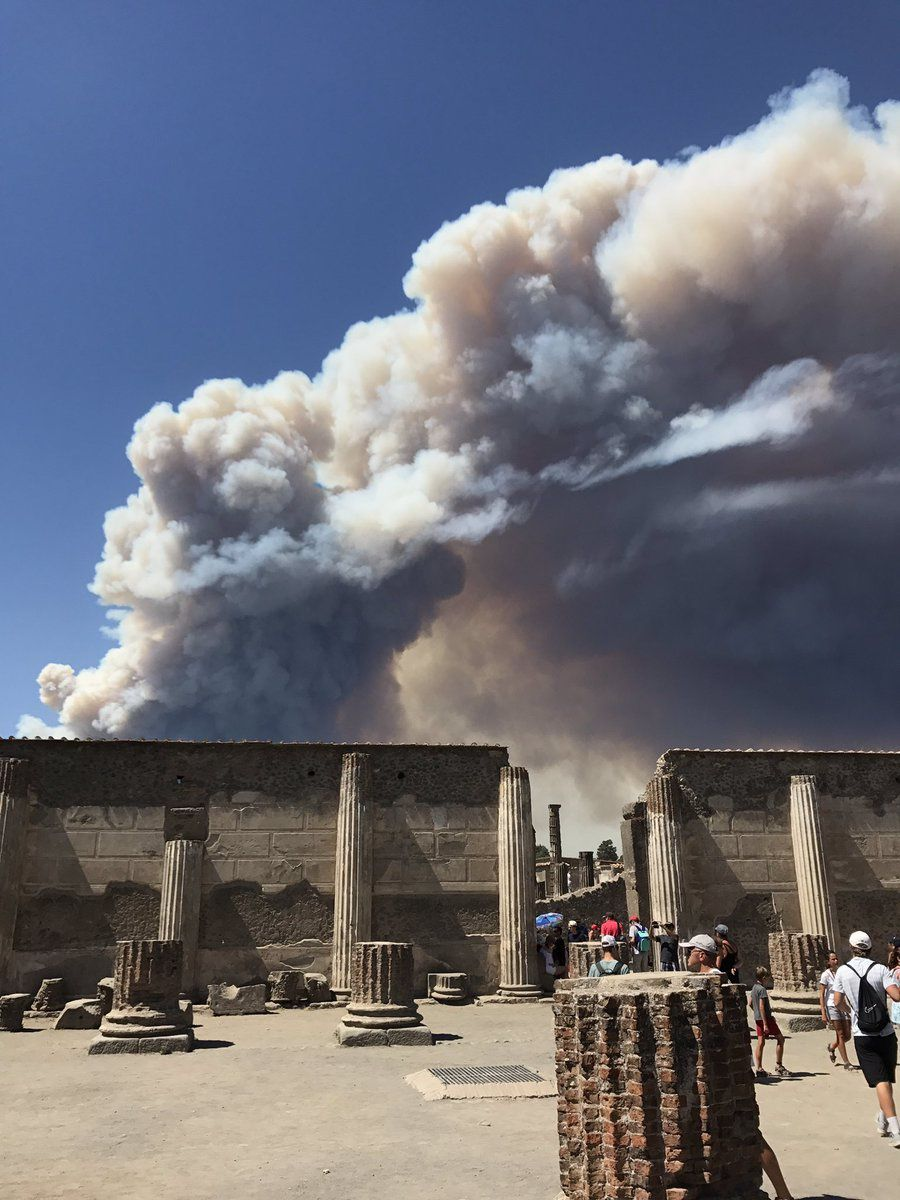 """A huge pyrocumulus (*) overcomes Vesuvius in Italy on July 11, 2017. It is caused by several fire pits, presumably of criminal origin, as they have spread out in several places, which extend along the flanks of Volcano. The flames devour the Valley of Delights at Ottaviano and overflow in the street of Vesuvius in Herculaneum, already touched by the fires a few days ago. Tourists, restaurants, residents and their homes are evacuated for the second time in a week.  (*): A pyrocumulus, """"Cumulus Flammagenitus"""" according to the new International Cloud Atlas of 2017, is a cloud of the cumulus family that forms over an intense heat source.  Sources: French, Belgian and Italian media."""
