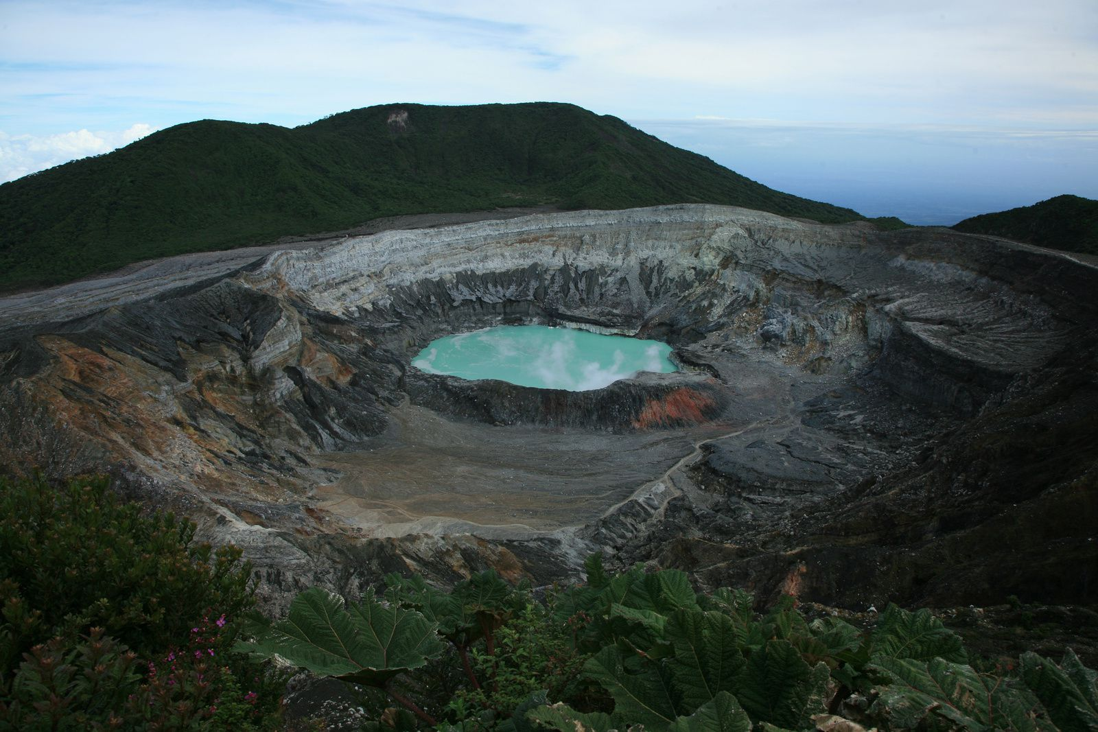 Poas - For comparison, the crater and laguna Caliente in 2008 - photo © Bernard Duyck