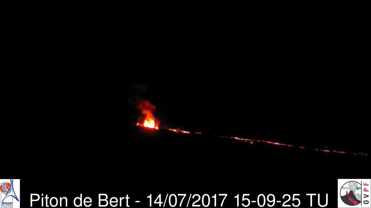 Piton de La Fournaise - caméra du Piton de Bert le 14.07.2017 / 15h09 TU - OVPF