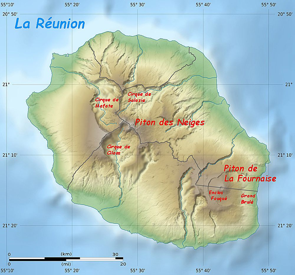 Reunion - top, 3D map of the reliefs of the island - bottom, topographic map annotated from a map of the NASA shuttle radar topography mission SRTM3 v2.