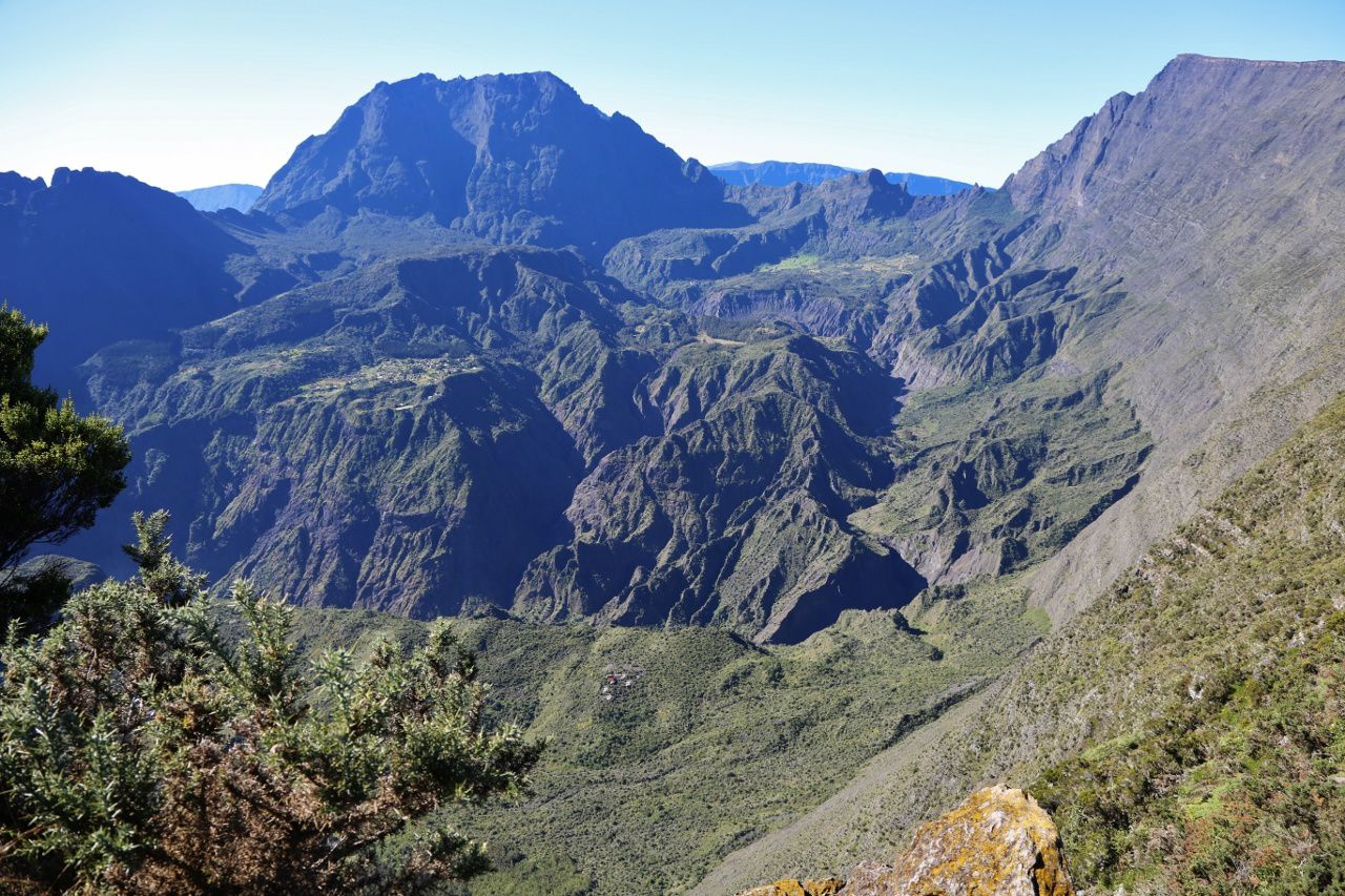 Piton des Neiges - circus of Mafate, seen from Maïdo&#x3B; On the left, the Gros Morne - on the right, the Grand Bénard - picture © Bernard Duyck / june 2017
