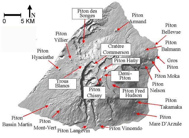 """Pitons of the Massif of La Fournaise, inherited from events of """"Chisny type"""" - doc. Cynergéo / Villeneuve & Bachèlery."""
