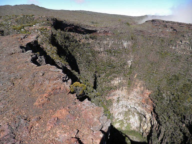The Commerson crater - aerial photo La Réunion info