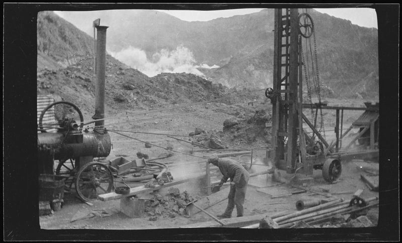 White Island - the exploitation of sulfur in 1925 - photo envirohistory nz