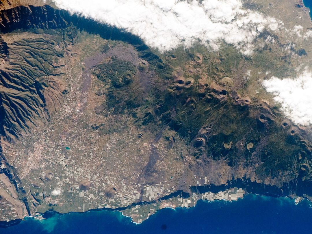 La Palma - La Cumbre Vieja seen from the ISS017-E-06820