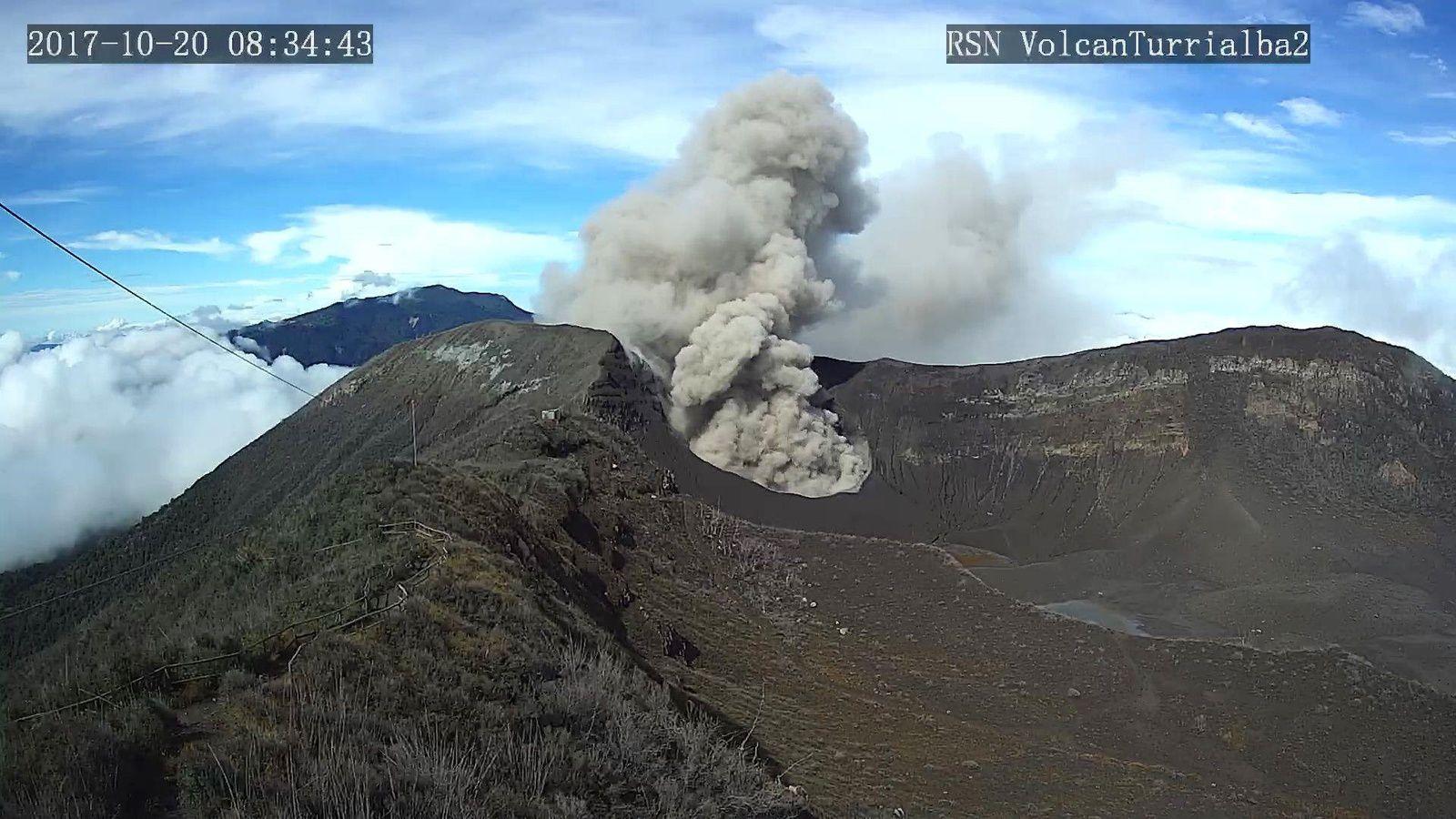 Turrialba  - panache de cendres le 20.10.2017 / 8h34 - webcam RSN