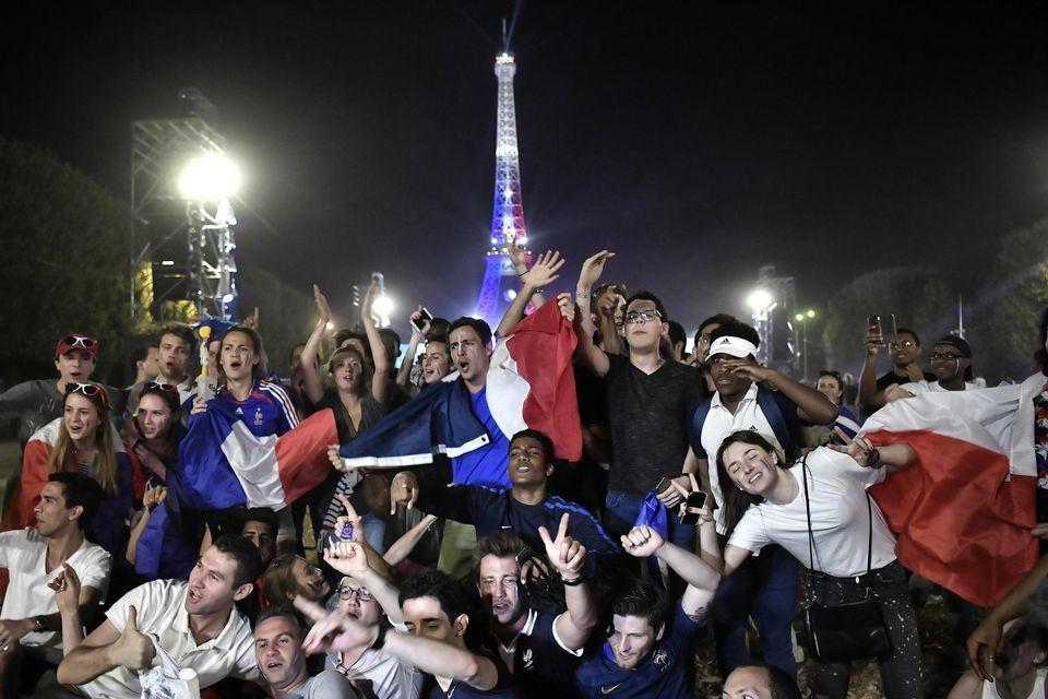 La France en liesse après la victoire des Bleus sur l'Allemagne