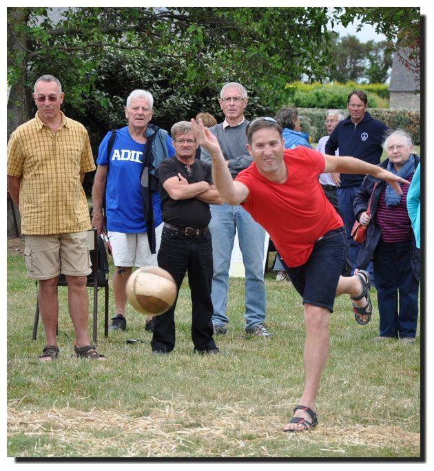 Montfarville :Le jeu de quilles des treis seurs