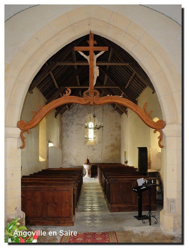 Angoville en Saire : L'église