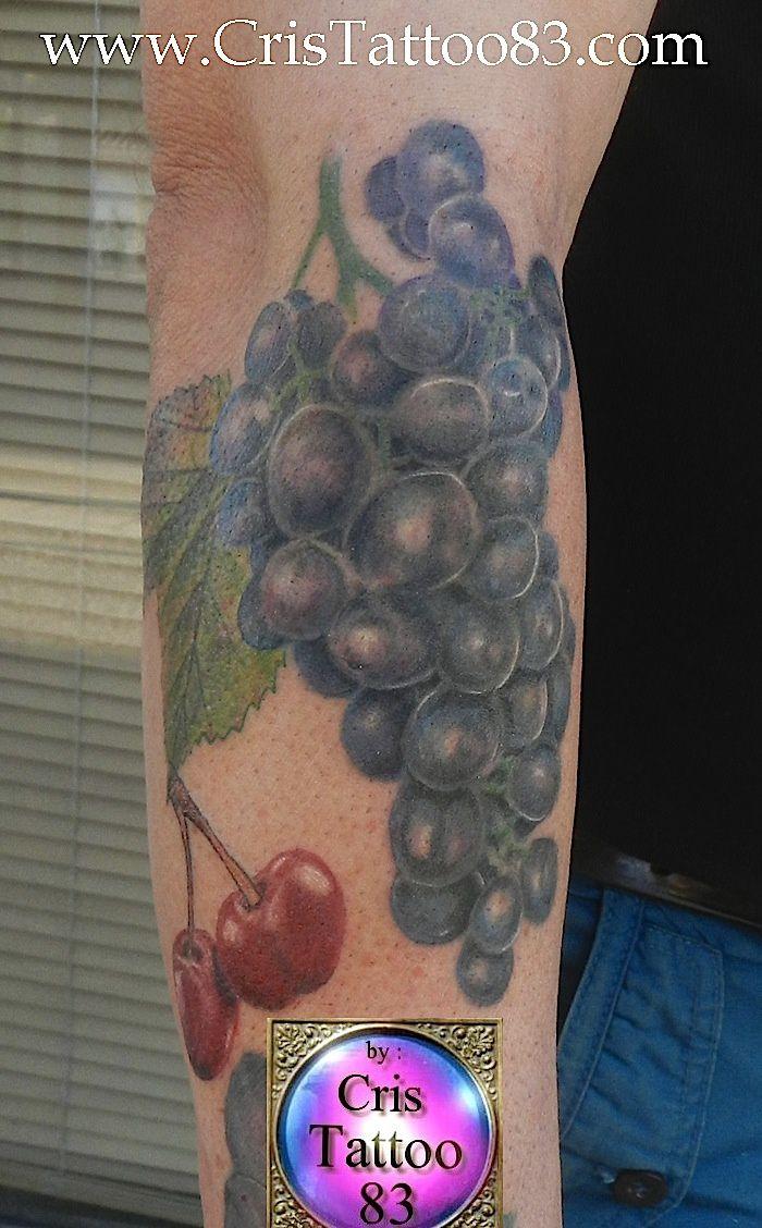 tatouage-grappe-de-raisin