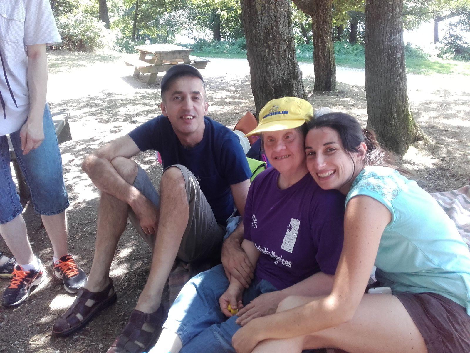 Nous avons passe une journée émouvante mais pleine de joie avec Georges et Patricia   au plan d'eau de Mouliins...