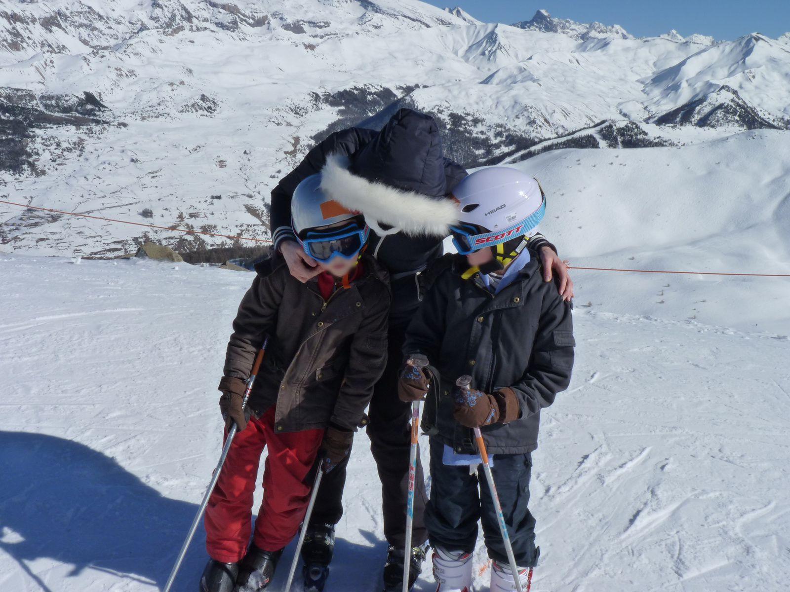 Ski de famille, étoiles et lapin rose géant, séjour pension complete, mes vraies vacances de maman.