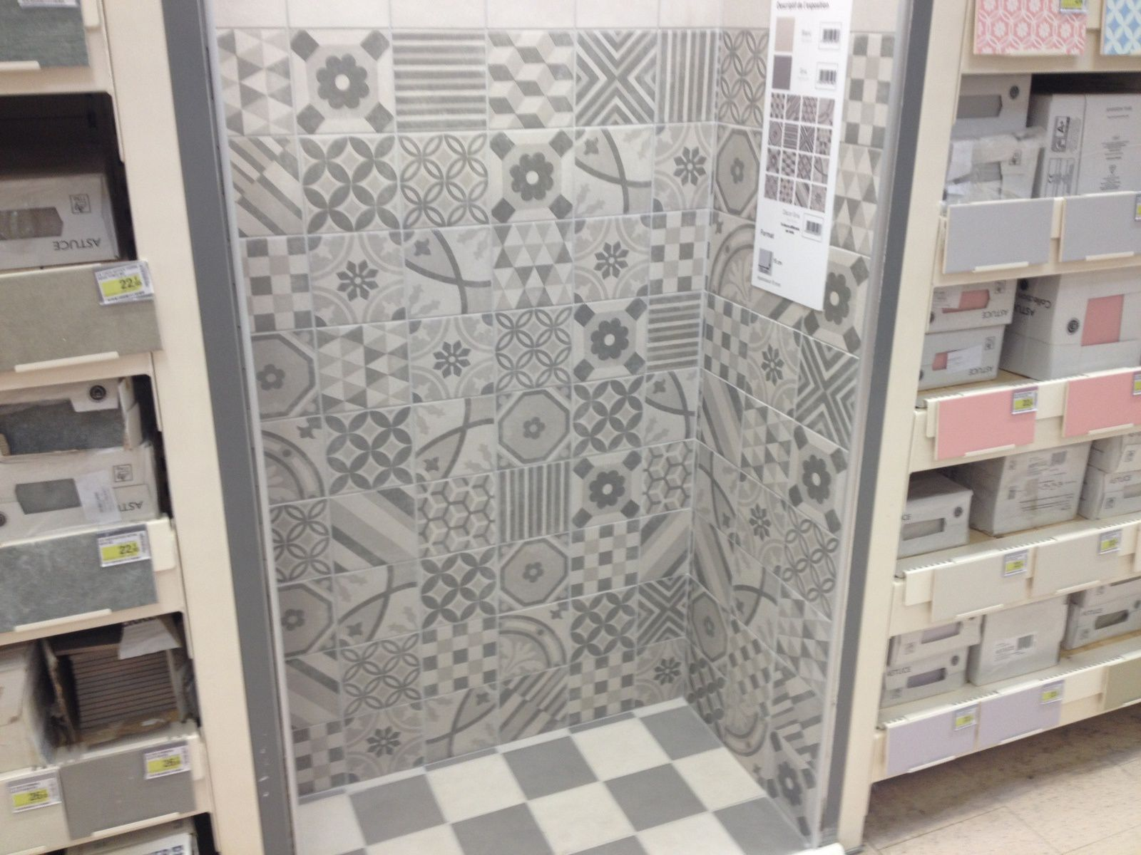 D co carrelage aspect carreaux ciment revisit s abk docks carrelages du mara - Smart tiles chez leroy merlin ...