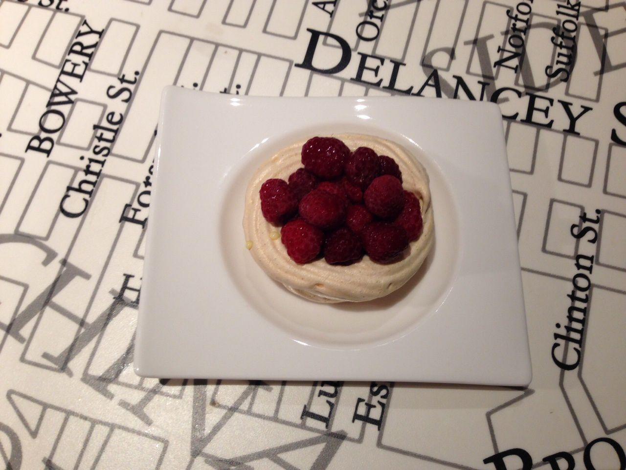 Recette pavlova fruits exotiques crème anglaise