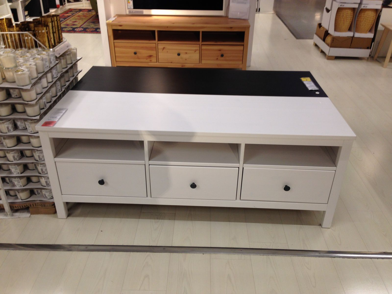 Meuble tv ikea hemnes blanc table de lit for Meuble tv hemnes