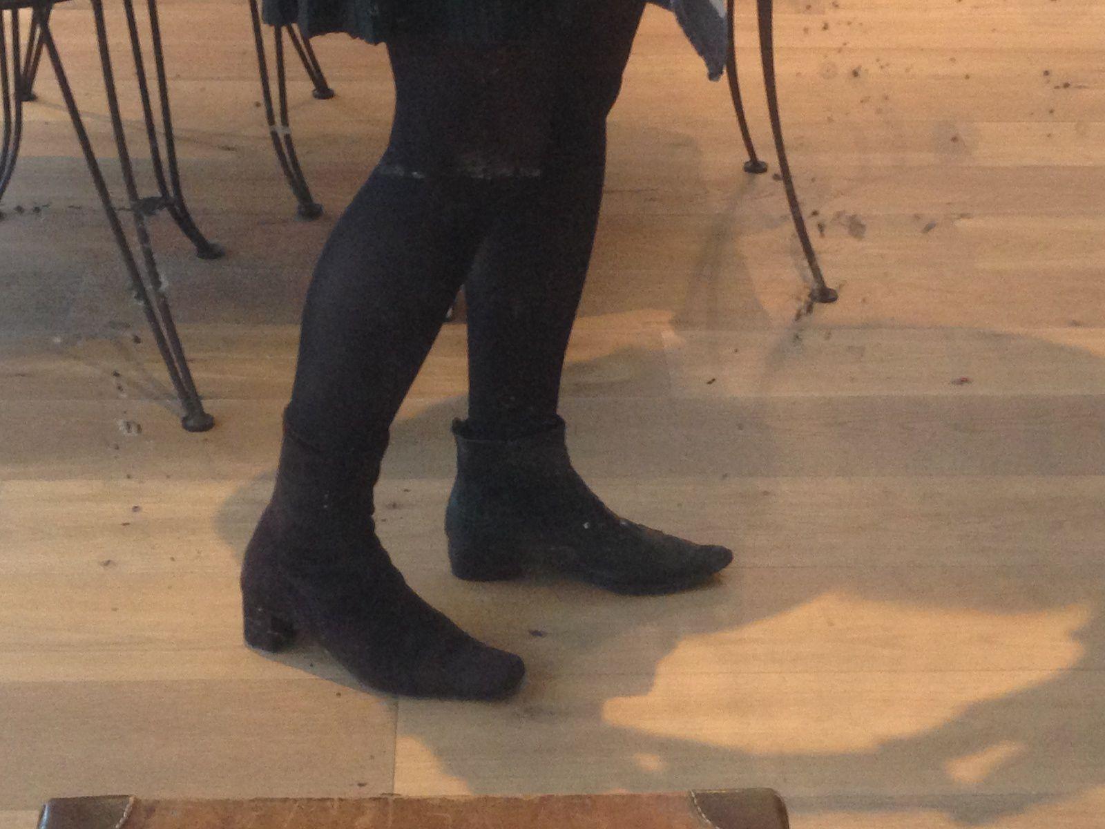 Quels Collants Avec Des Bottes Boots Escarpins Et Une Jupe Ou Robe Opaques Voile Fashion