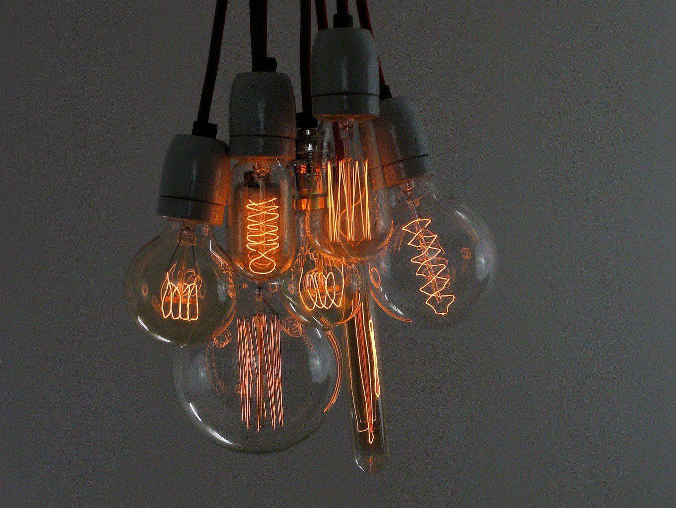 Bouquet d 39 ampoules retro filaments douilles cuivre - Ampoule de couleur castorama ...