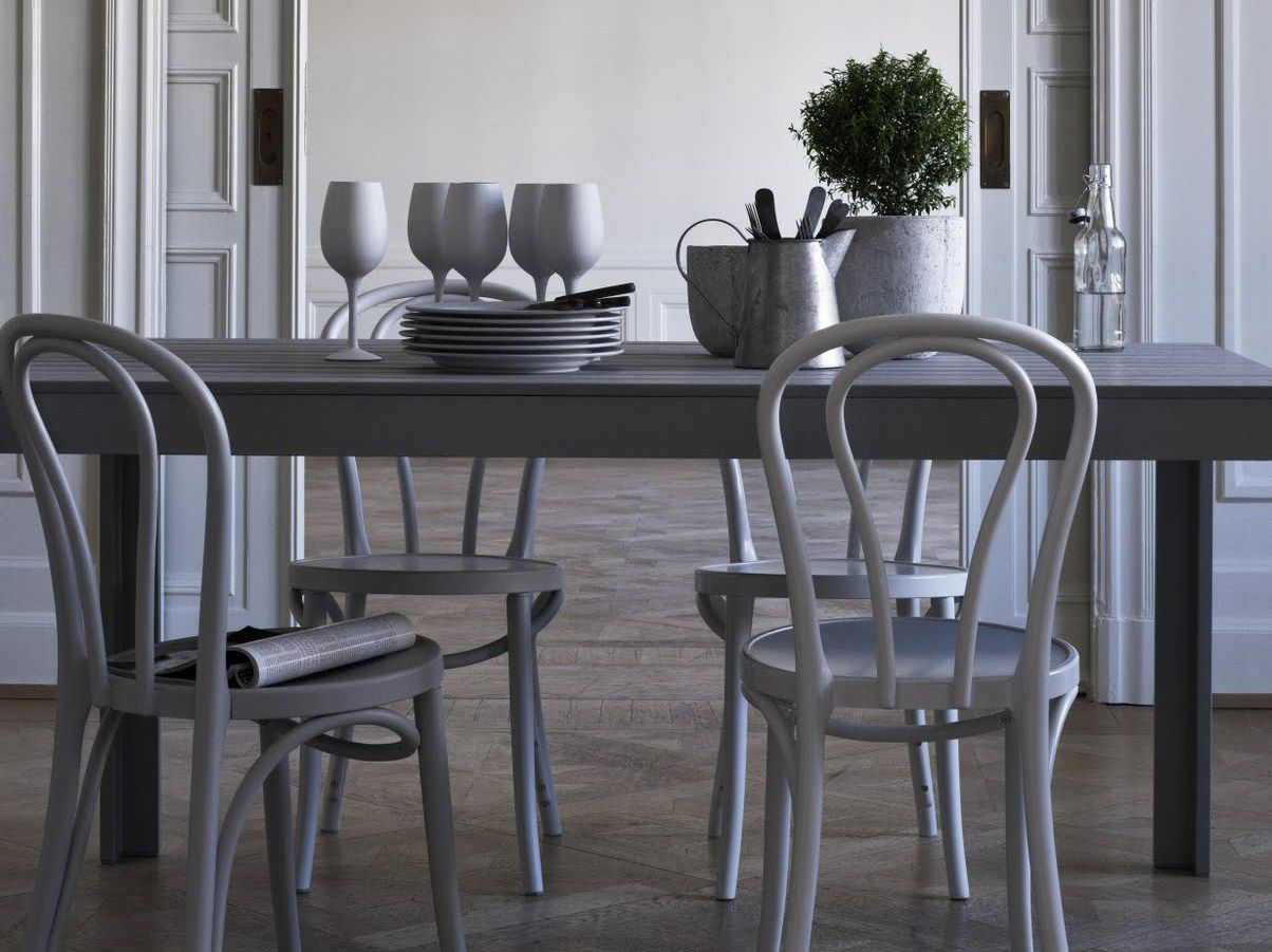 Chaises Thonet 18 blanches blog Purple Area
