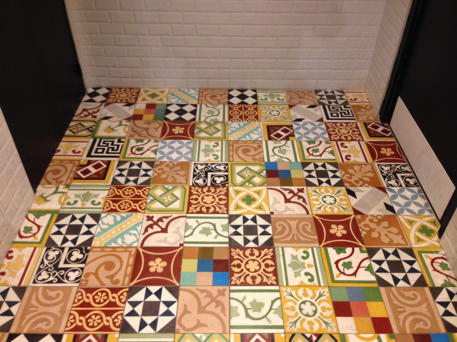 Carreaux de ciment patchwork maison design for Carreaux de ciment occasion