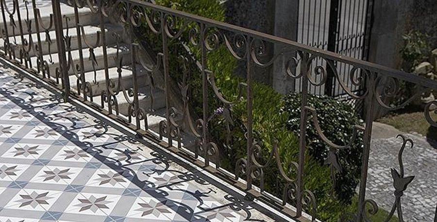 Carrelage balcon carreaux de ciment toiles fashion maman for Carrelage balcon