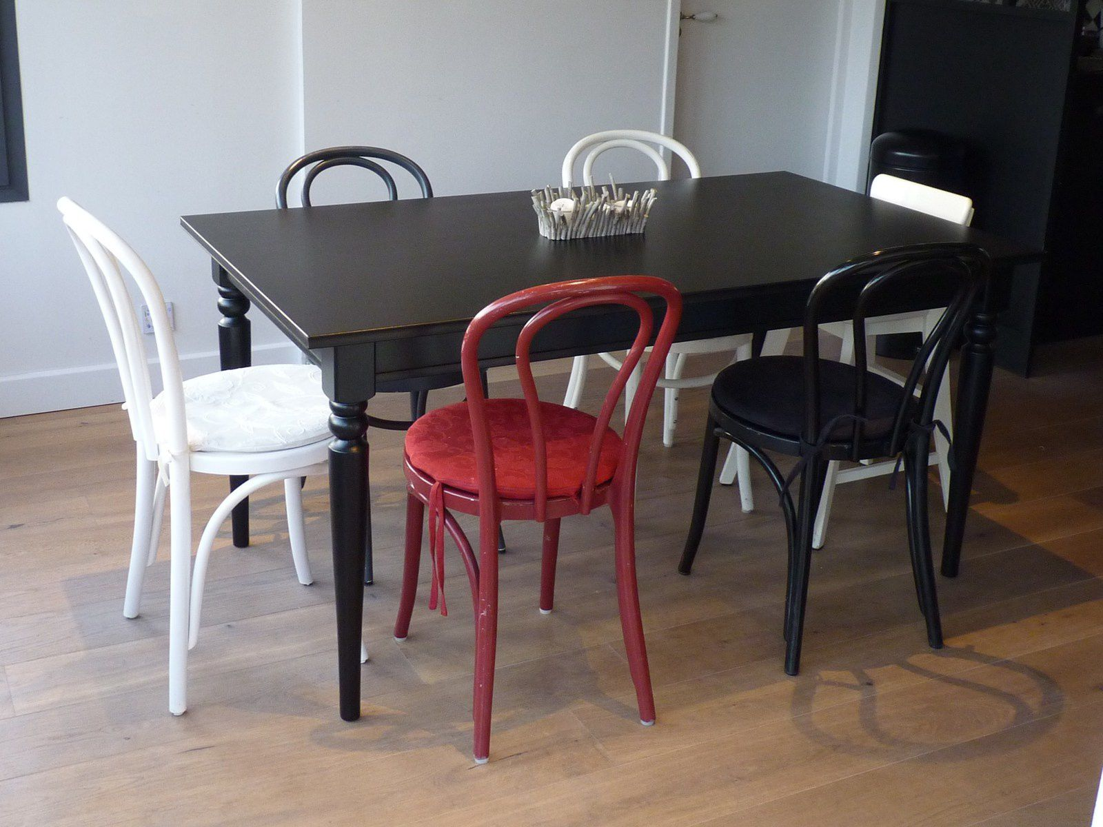 table blanche ou noire avec ma verri re de cuisine photos essais d co ikea ingatorp fashion maman. Black Bedroom Furniture Sets. Home Design Ideas