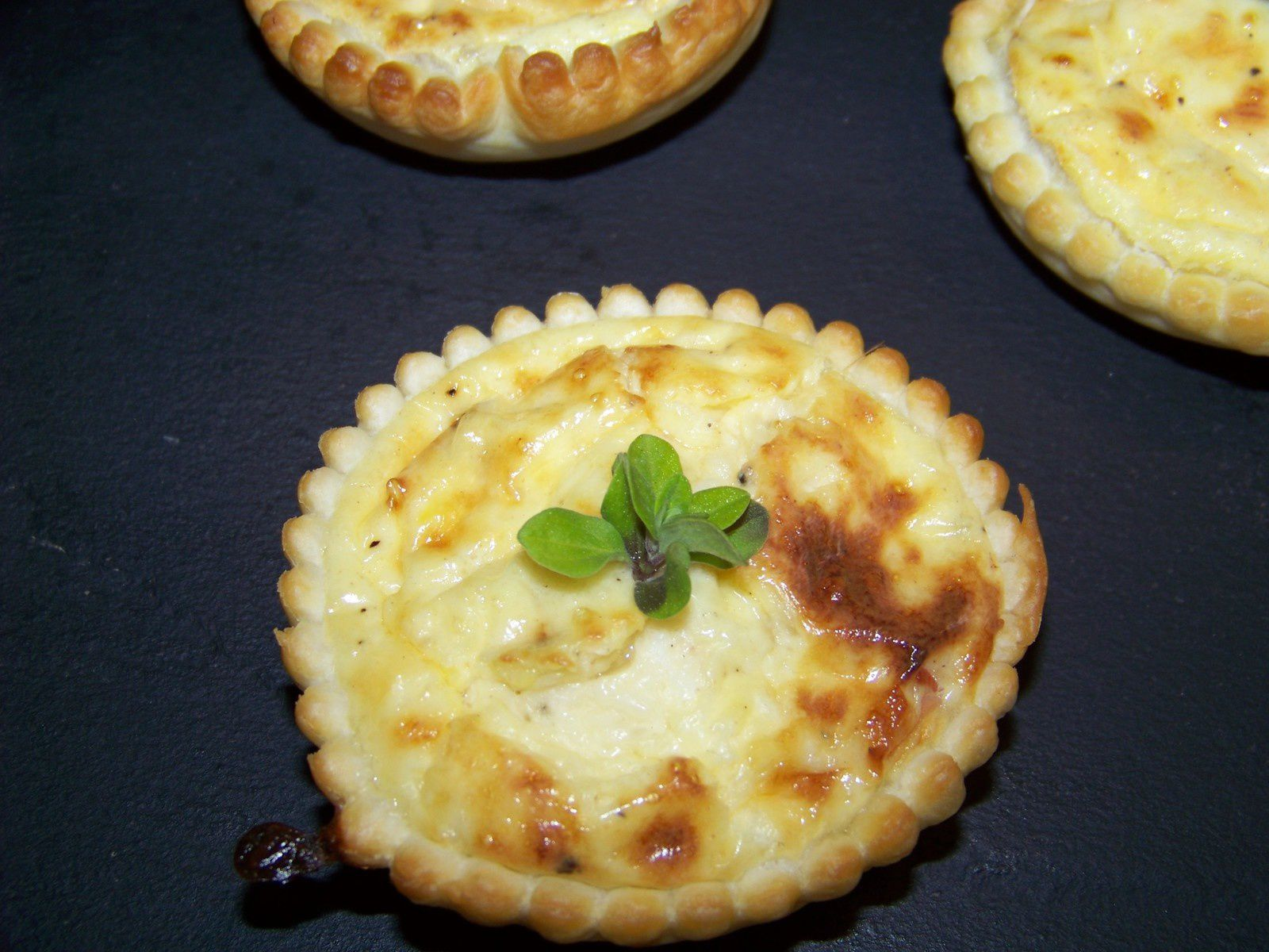 Mini quiche  l'emmental.