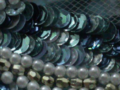 Broder perles et paillettes au crochet de lunéville