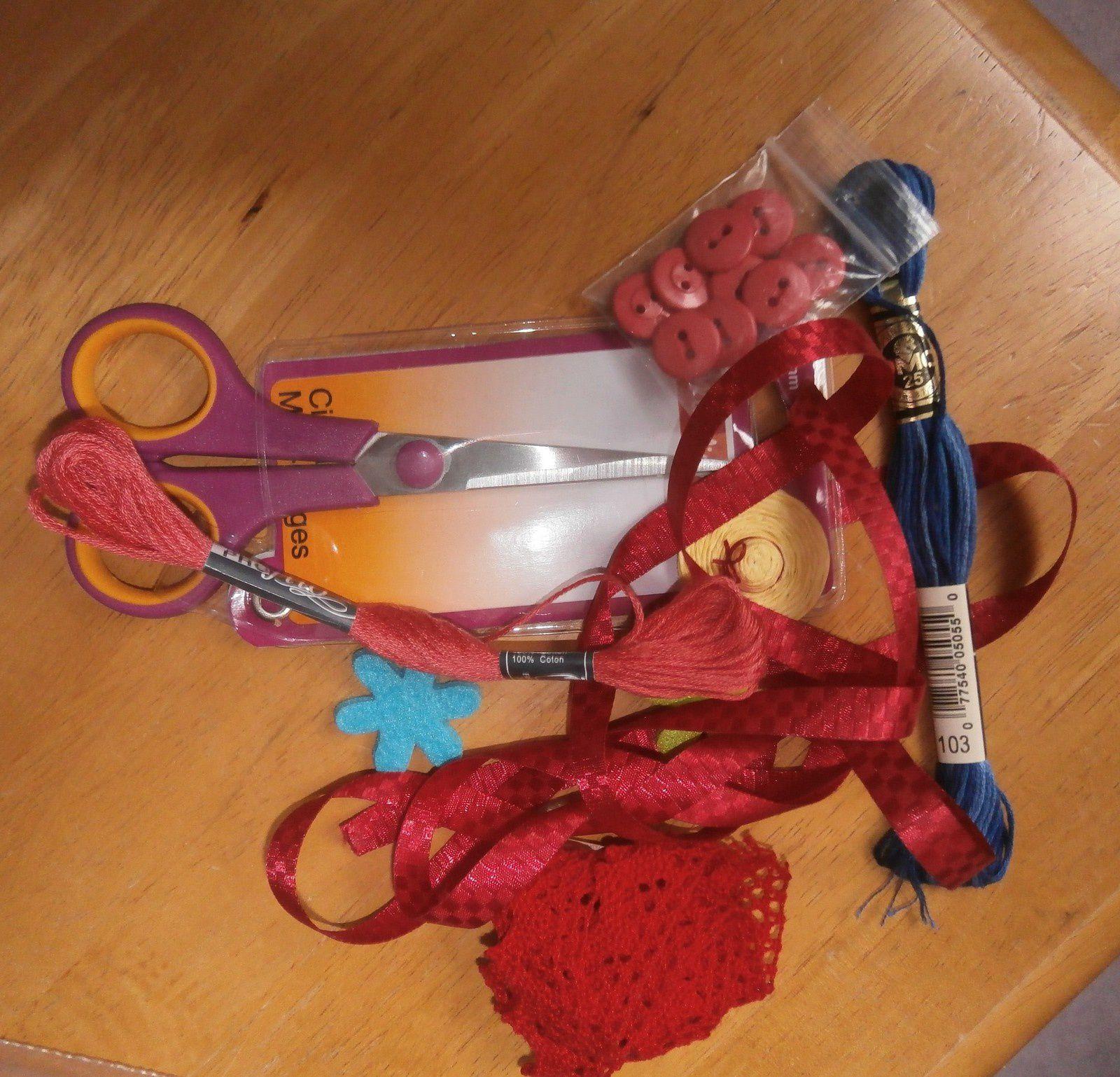 1er échange ....accessoires de brodeuses