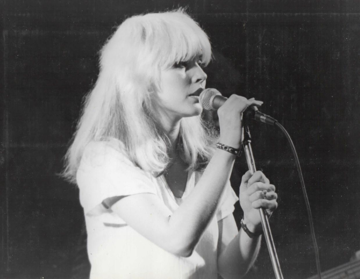 Debbie Harry and Blondie, 1977 - live at The Roundhouse - London (UK)