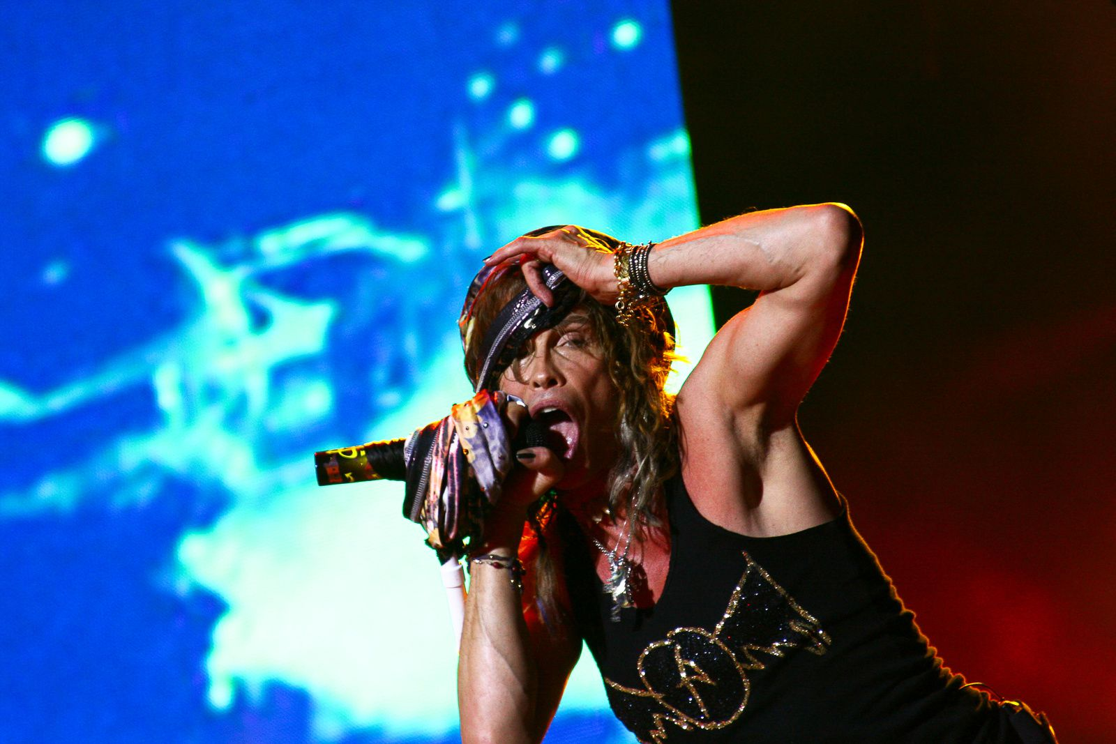 Steven Tyler - 2014, march 6 - on stage
